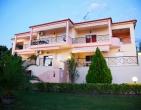 Хотел Agrili Resort Luxury Apartments 3*